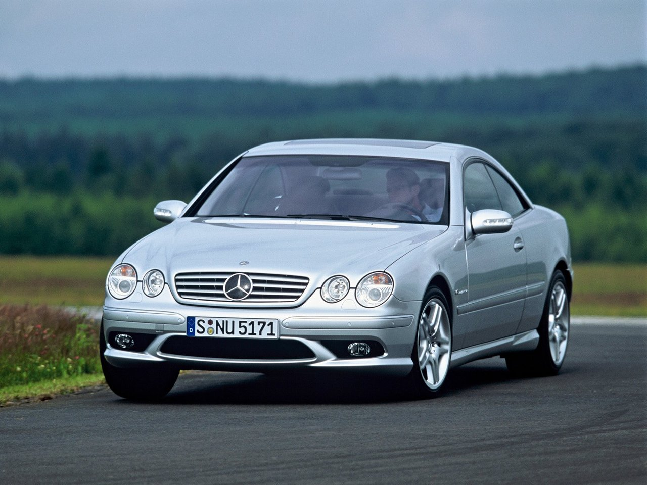 Автомобиль Mercedes-Benz CL-klasse AMG